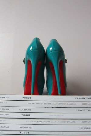 turquoise blue Christian Louboutin heels