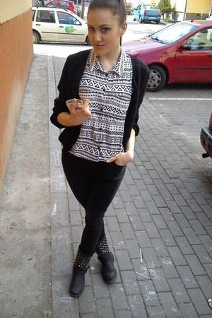 H&M blouse - Fox jeans