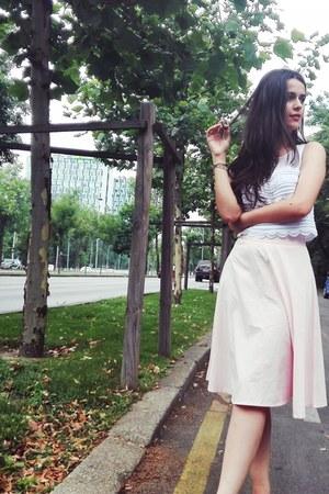 burnt orange Zara sandals - white shirt - light pink Lovelywholesale skirt