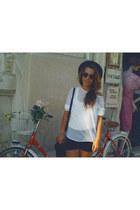 black Zara shorts - white Primark blouse