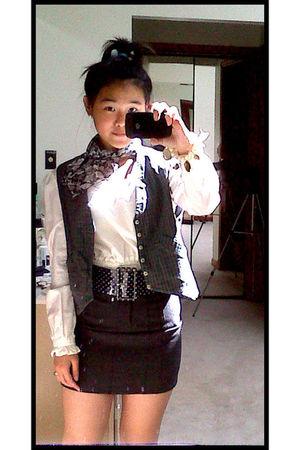 white Gap top - gray vest - black skirt - black belt - black scarf - gold Alice