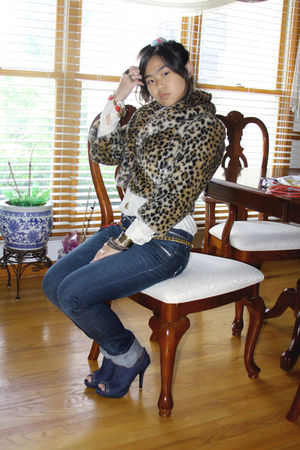gold Forever 21 jacket - gold versace belt - blue giordano pants - blue Forever