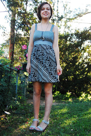 black antique necklace - gray modcloth dress - gray Aldo shoes