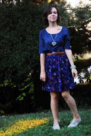 blue BDG t-shirt - purple H&M dress - silver moms necklace - silver Grandmoms br