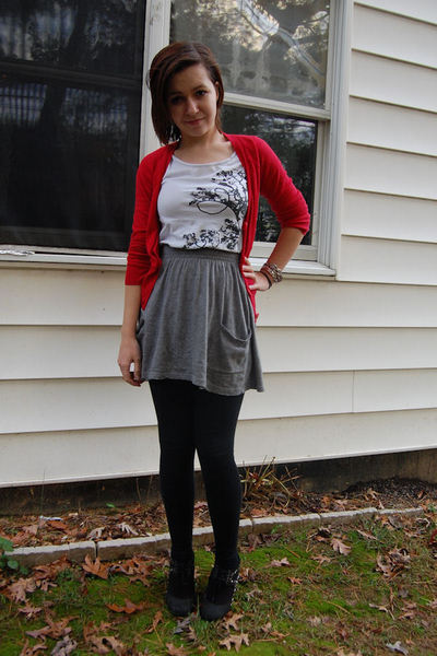H&M sweater - H&M t-shirt - Target skirt - Forever 21 leggings - deena and ozzy