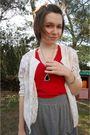 White-vintage-cardigan-red-american-apparel-t-shirt-silver-antique-necklace-