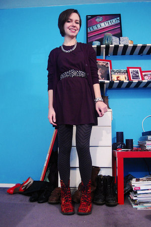 charcoal gray Target tights - red doc martens boots - black volcom dress