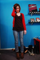 red H&M cardigan - black PacSun t-shirt - blue H&M jeans - brown deena and ozzy