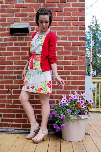 red H&M cardigan - white vintage dress - silver Grandmas bracelet - red another