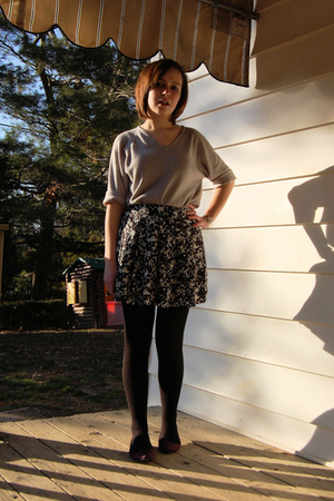 gray thrifted sweater - black Forever 21 skirt - black Organic tights - purple K