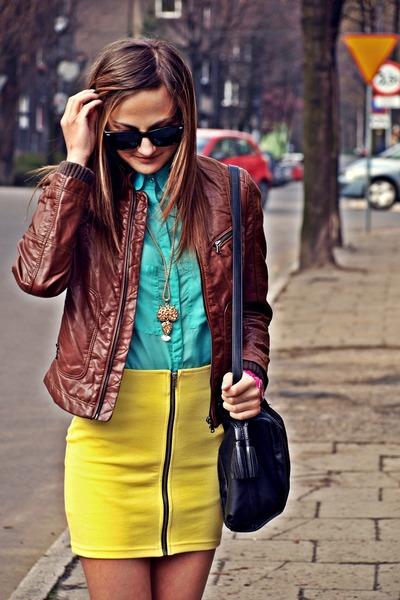 H&M skirt - Zara jacket - Bershka shirt - Stradivarius bag