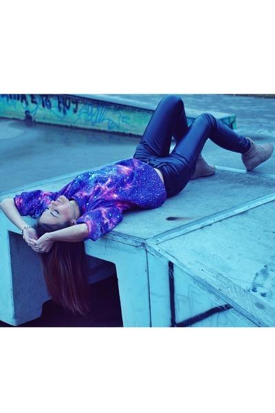 LuvYaClothing blouse - black Orsay pants - camel dash44pl sneakers