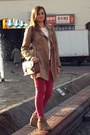 Bronze-stradivarius-coat-tawny-chicnovacom-bag-ruby-red-reserved-pants
