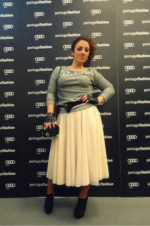 eggshell tulle H&M skirt - black Zara boots - heather gray Stradivarius sweater