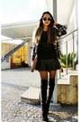 Black-milanoo-boots-gold-zero-uv-glasses