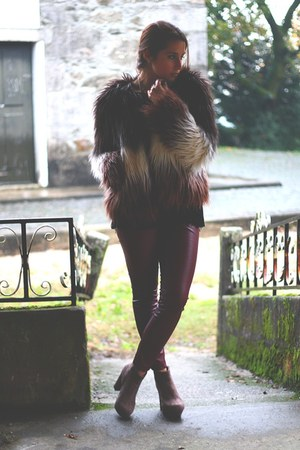crimson faux fur asos coat - brick red faux leather Chicwish leggings