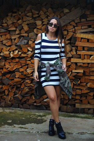 black platform Zara boots - navy striped sammydress dress