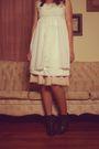 White-thrift-hat-white-estate-sale-dress-black-modcloth-shoes