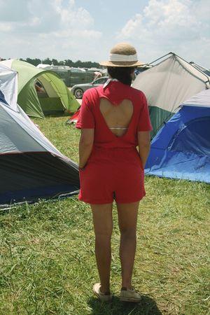 red Savers shorts - beige thrift hat