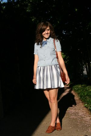blue American Apparel skirt - blue thrift shirt - brown thrfit shoes - brown lit