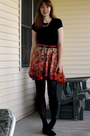 orange skirt - black shoes - black banana republic t-shirt - black tights