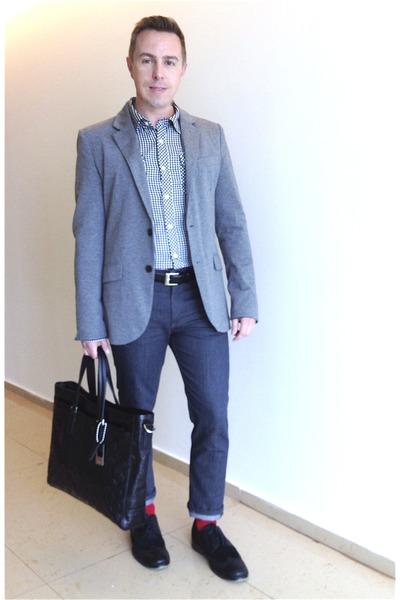 Happy Feet socks - brogues Kenneth Cole shoes - Levis jeans - Zara blazer