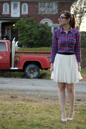 neutral NafNaf skirt - ruby red hollister shirt - black Chanel glasses