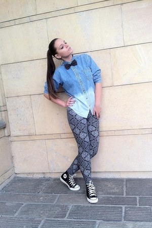 shirt - tights - sneakers