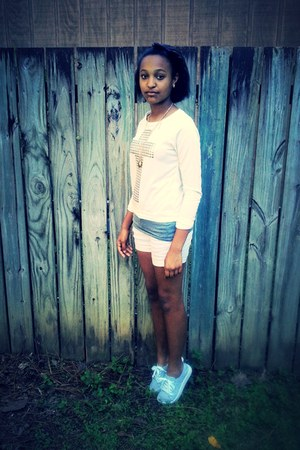 cross sweater Charlotte Russe sweater - white shorts faded glory shorts