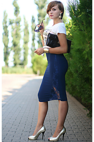 navy lace random brand skirt - light yellow pull&bear t-shirt