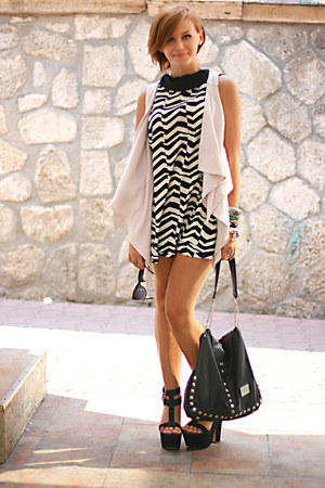 black printed River Island dress - off white Topshop vest