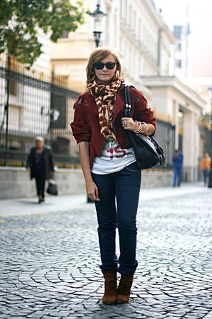 brick red suede vintage jacket - tawny Zara boots - navy Levis jeans