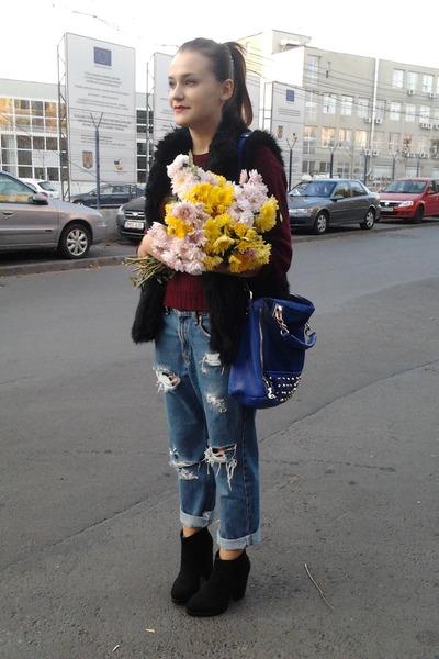 blue vintage Levis jeans - black ankle Zara boots - crimson vintage YSL sweater