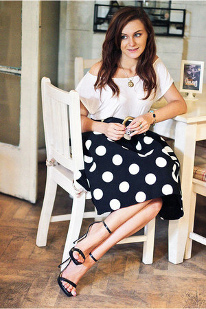 black polka dots Sheinside skirt - black Zara sandals