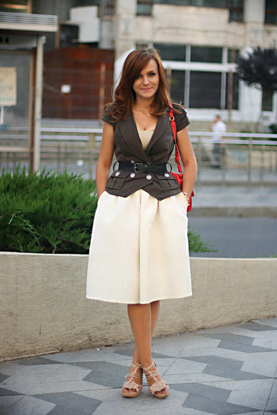 white full H&M skirt