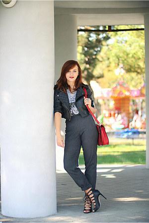 brick red Zara bag - black lace-up Zara sandals - heather gray OASAP t-shirt