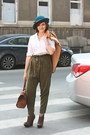 Teal-vintage-hat-light-brown-vintage-cape-olive-green-stradivarius-pants