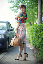 camel Zara bag - black Zara sandals - pleated vintage skirt