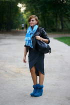 gray wrap River Island skirt
