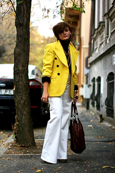 yellow vintage blazer - white H&M pants - black top