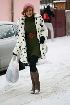ivory faux fur Topshop coat - army green knitted Bershka dress