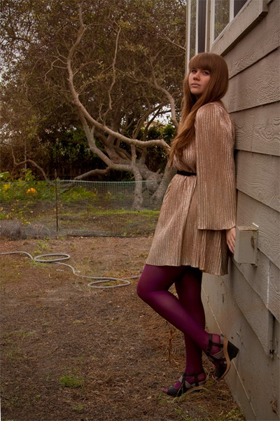 gold thrifted dress - magenta tights - black Aldo wedges