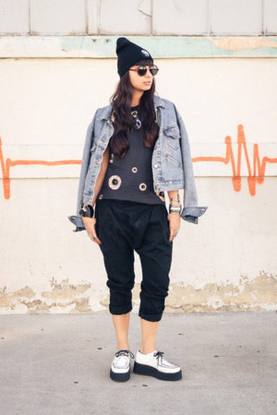 eyeball Nasty Gal shirt - creepers TUK shoes - yin yang penelopes vintage hat
