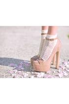 ivory socks - nude shoes