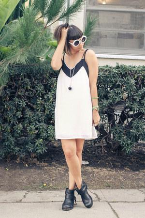 boots luluscom shoes - ivory luluscom dress - Chanel sunglasses
