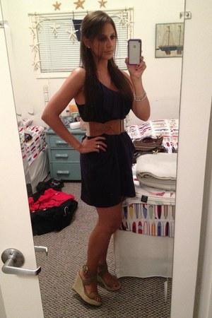 navy belted H&M dress