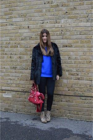 light brown leopard KG by Kurt Geiger boots - black vintage coat