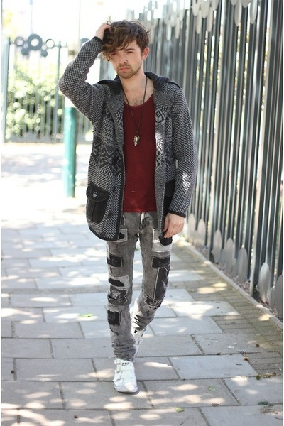 heather gray H&M jeans - black italian Claudio Lugli cardigan