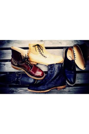 black Makoto boots