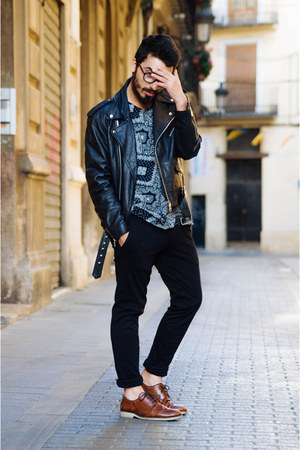 paisley H&M t-shirt - oxfords Zara shoes - leather biker Gabriel Seguí jacket